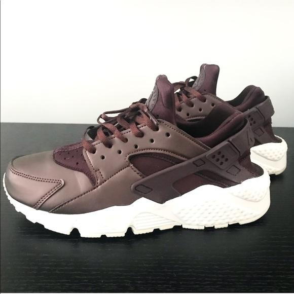 Nike Shoes | Air Huaraches In Metallic